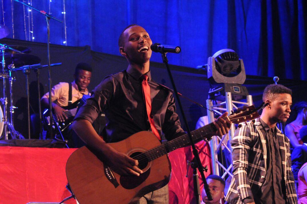 MAPUTO: Serge yatangije 'Rwandan Praise' mu gi - Inyarwanda.com
