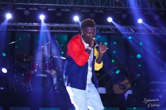 Bruce Melody Performing in East African Party