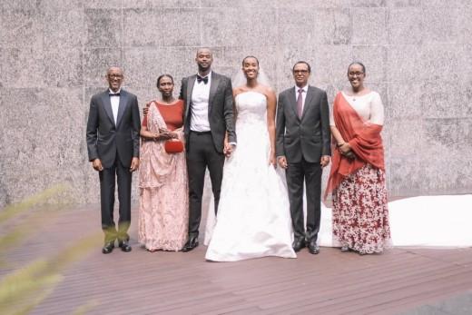 MU MAFOTO: Ange Kagame yambikanye impeta y'urudash - Inyarwanda.com